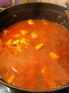 Curry de porc aux pommes de terre et à la tomate