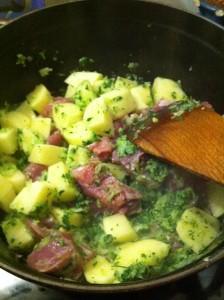 Curry de porc en cours de préparation