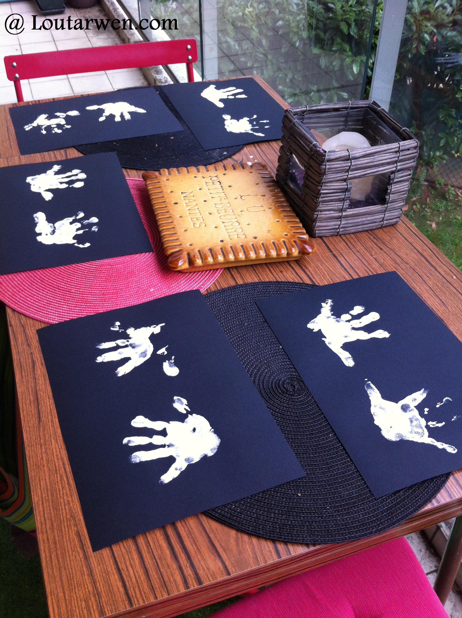 petits fant mes en peinture doigts la famille kangourou en chine. Black Bedroom Furniture Sets. Home Design Ideas