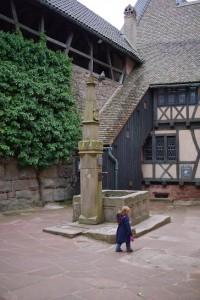 LMS dans la cour du chateau