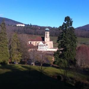 La vue de notre balcon sur l'église de Thierenbach