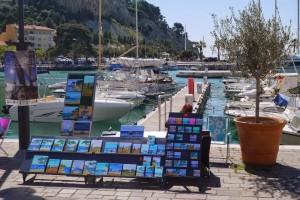 Peintre sur le port de Cassis
